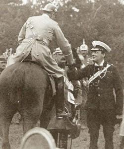 Churchuill saludando a Guillermo II en 1909, otros tiempos