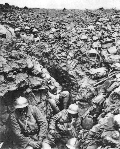 Regimiento francés atrincherado en Verdún