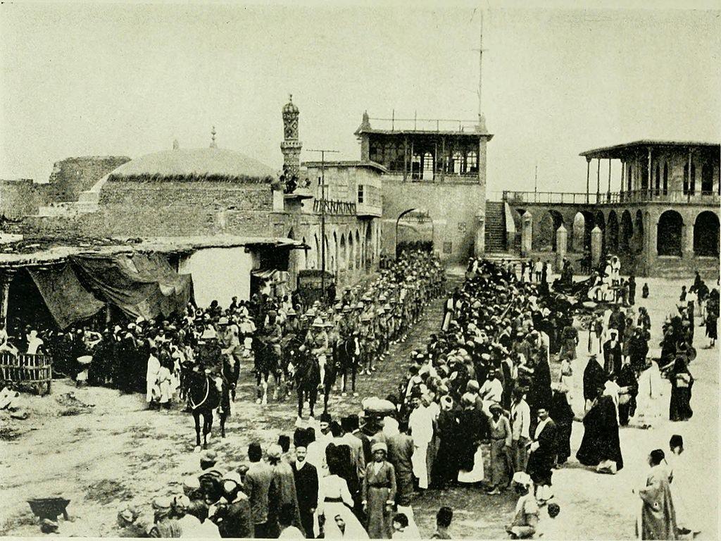 Las tropas indo-británicas entrando en Bagdad | Wikimedia Commons