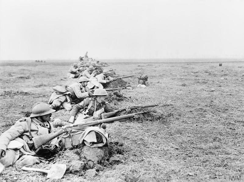 Tropas francesas y británicas defendiendo el avance alemán | Fuente