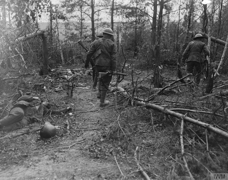 Británicos del regimiento Duque Wellington avanzando tras un enfrentamiento | Fuentes