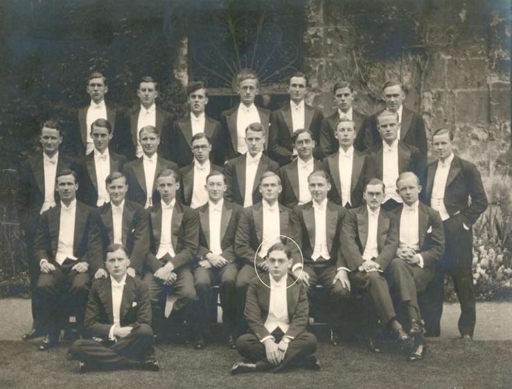 Berlin junto compañeros del Corpus Fuente