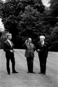 Berlin junto a Nicolas Nabokov y Stuart Hampshire en 1969 Fuente