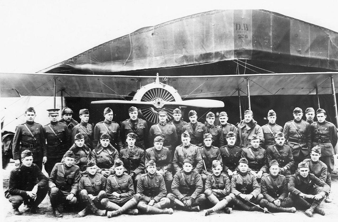 Aviadores norteamericanos en el aeródromo de Vavincourt | Wikimedia